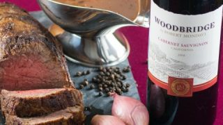 Red Wine Reduction with Roasted Shallots and Bacon