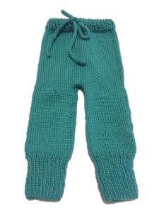 Pantalón con cordón tejido con agujas circulares.