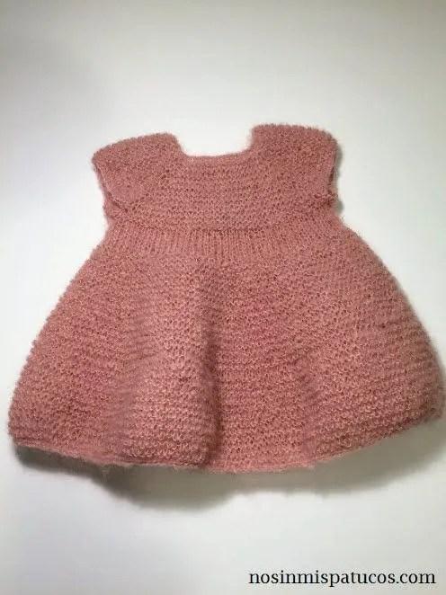 vestido bebe tejido a mano
