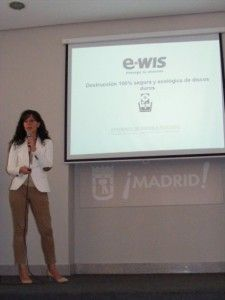 Susanna Antequera presentando e-Wis