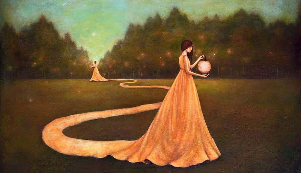 mujer-encontrándose-a-sí-misma-en-un-jardín