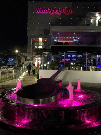 Hard Rock Café Curitiba Onde comer  Restaurantes