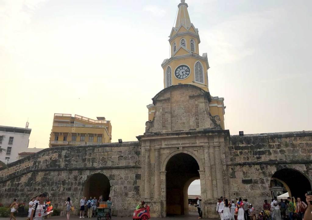 Torre del Reloj o que fazer em Cartagena Colôlmbia