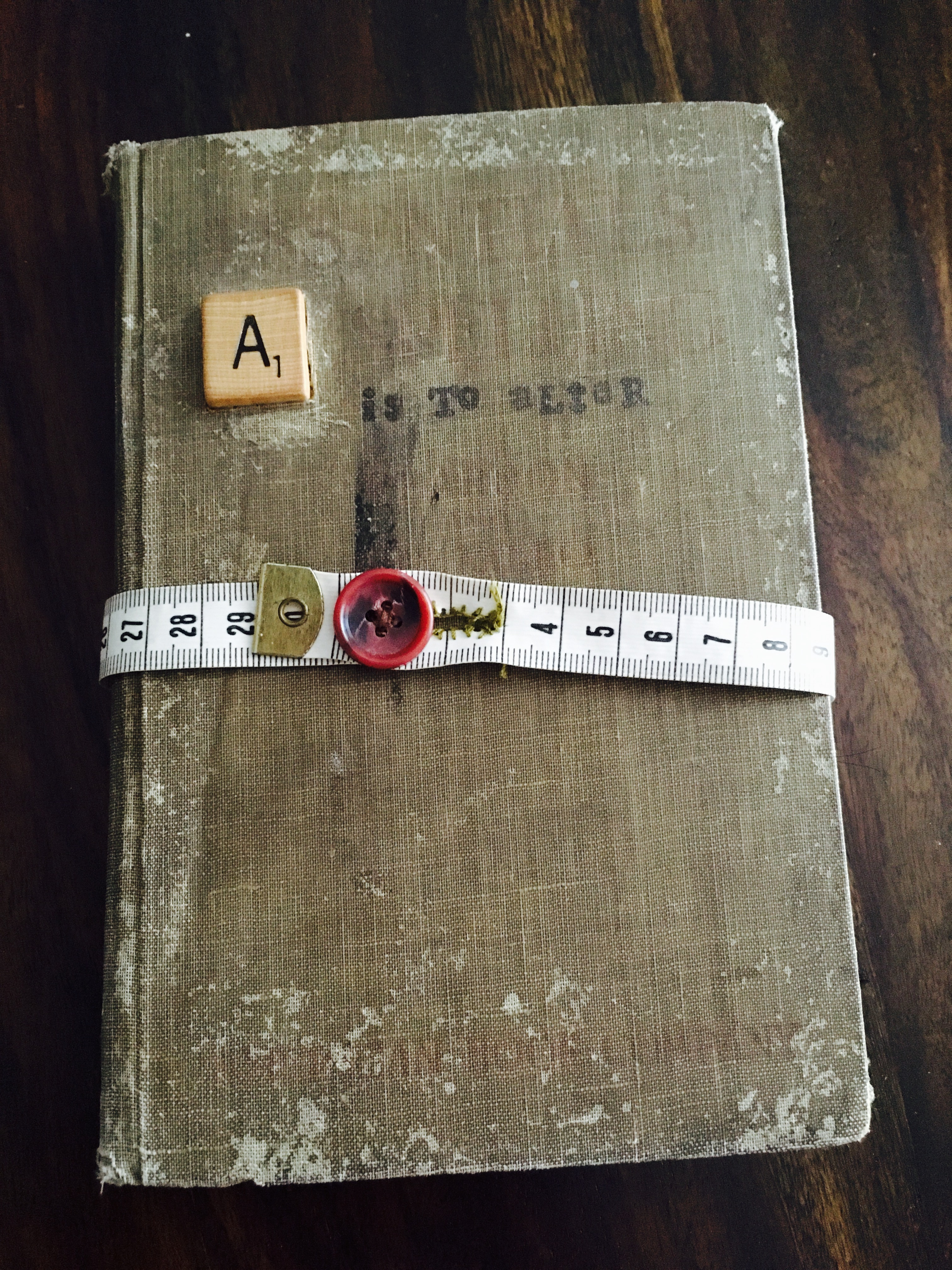 Altered book | Week 3: Find Your Must | Everyday Nostalgia