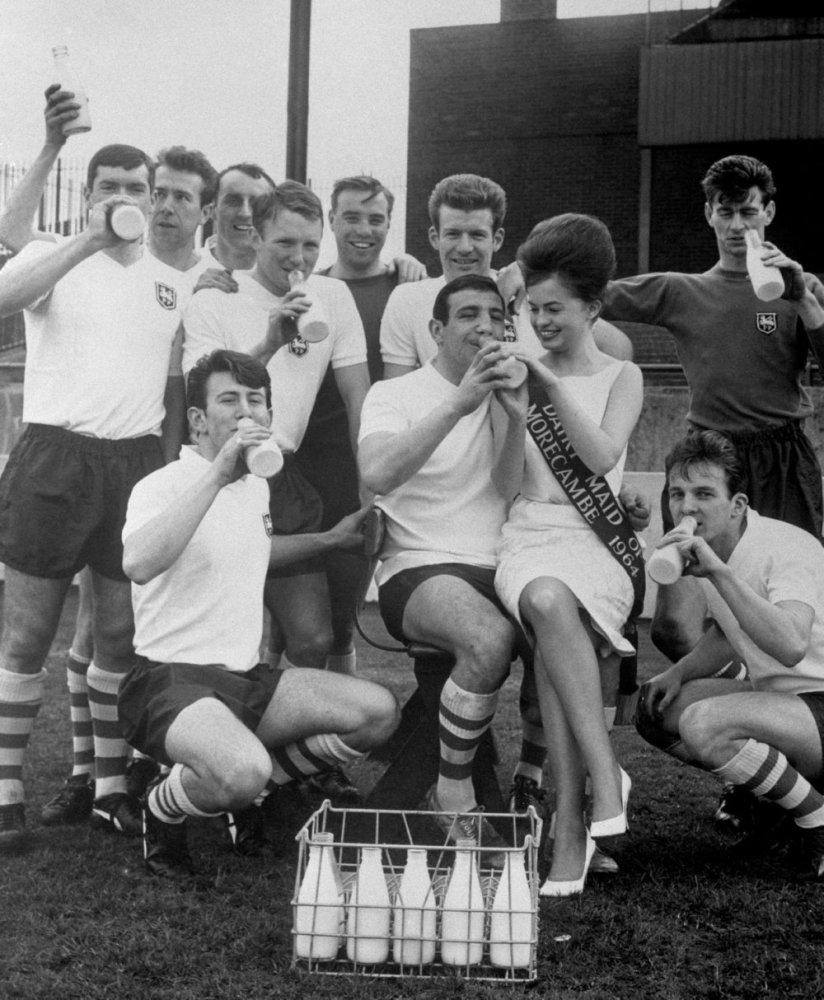 Footballers & Milk (1/6)