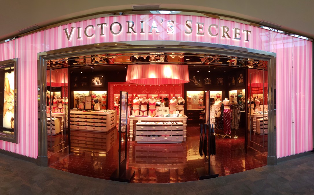 Panoramic view of a Victoria's Secret store front