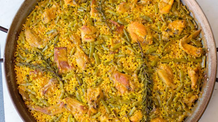 clásica paella valenciana