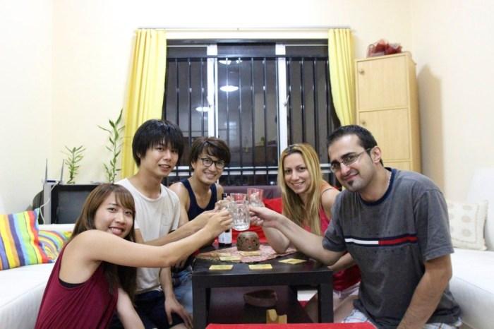 マレーシアでカウチを使ったときの日本酒パーティ