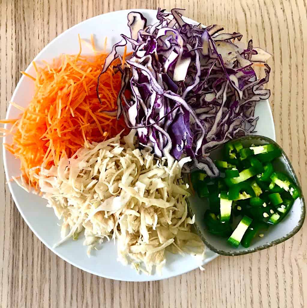 How to make spicy pickled cabbage