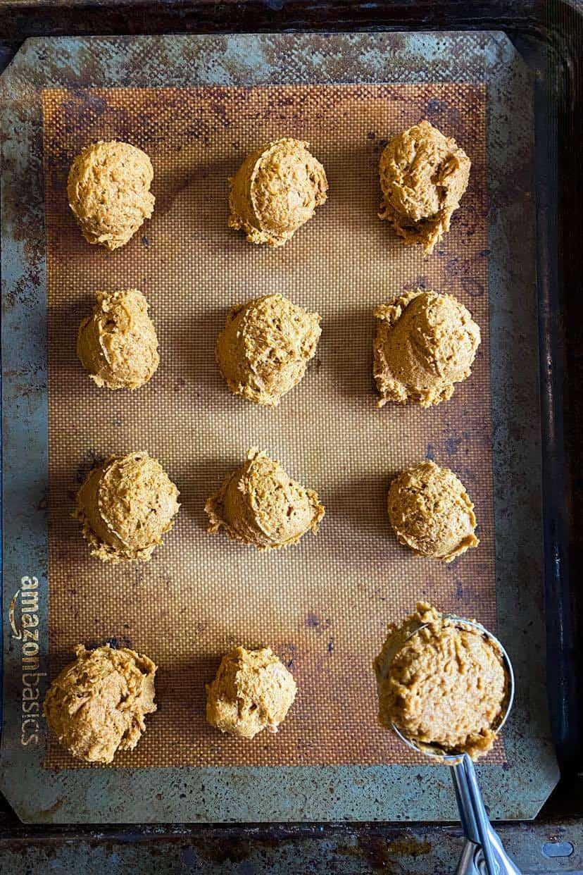 bake the pumpkin cookies