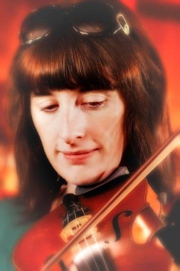 2012Jul19_Ireland_5877_Violinist2