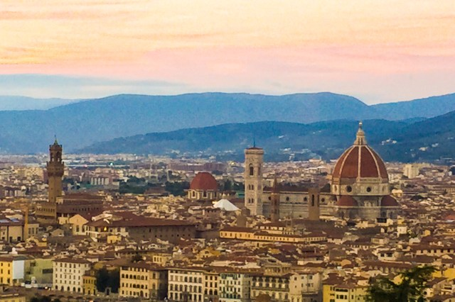 Watching the sun set over Firenze...one of the 10 best things to do on your first visit to Florence!