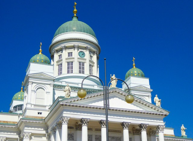 The Helsinki Cathedral is a must-see attraction for your one day in Helsinki!