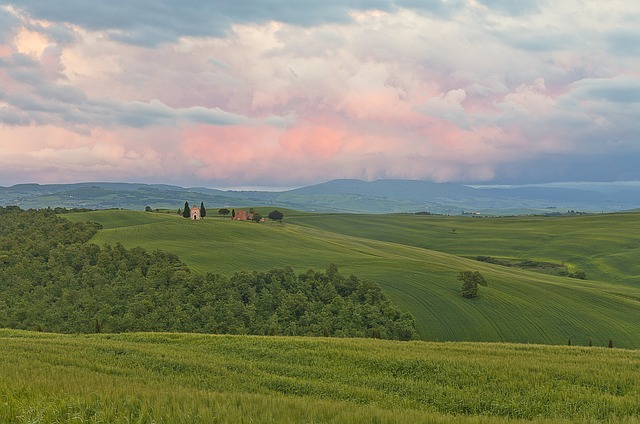 The beautiful Vitaleta Chapel is a mjust-stop spot on the way to Pienza from San Quirco d'Orcia!
