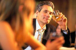 Man and woman at a bar-1493046