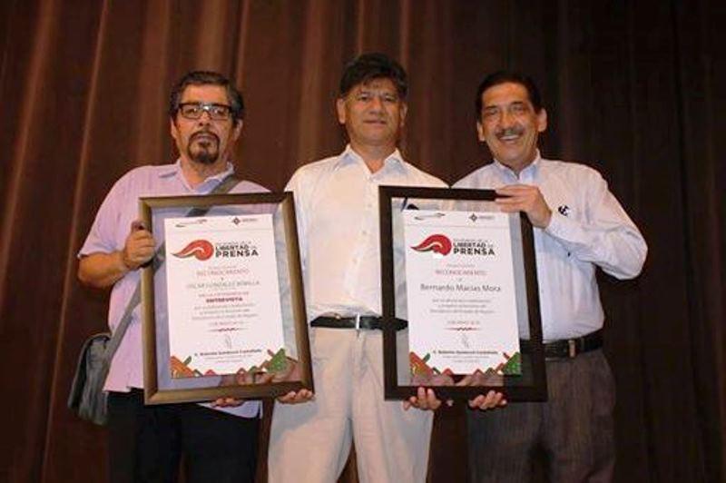 Entrega de reconocimientos del Premio Estatal de Periodismo 2014. Tepic, Nayarit; México.