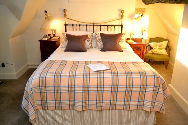 woolley-grange-bedroom1
