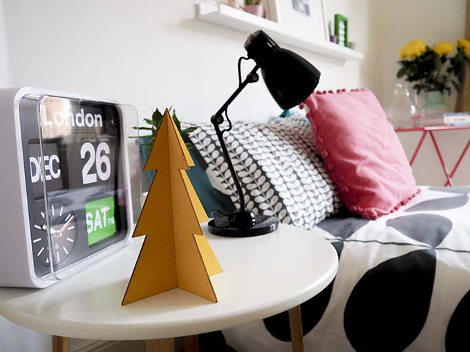 guest-bedroom-christmas
