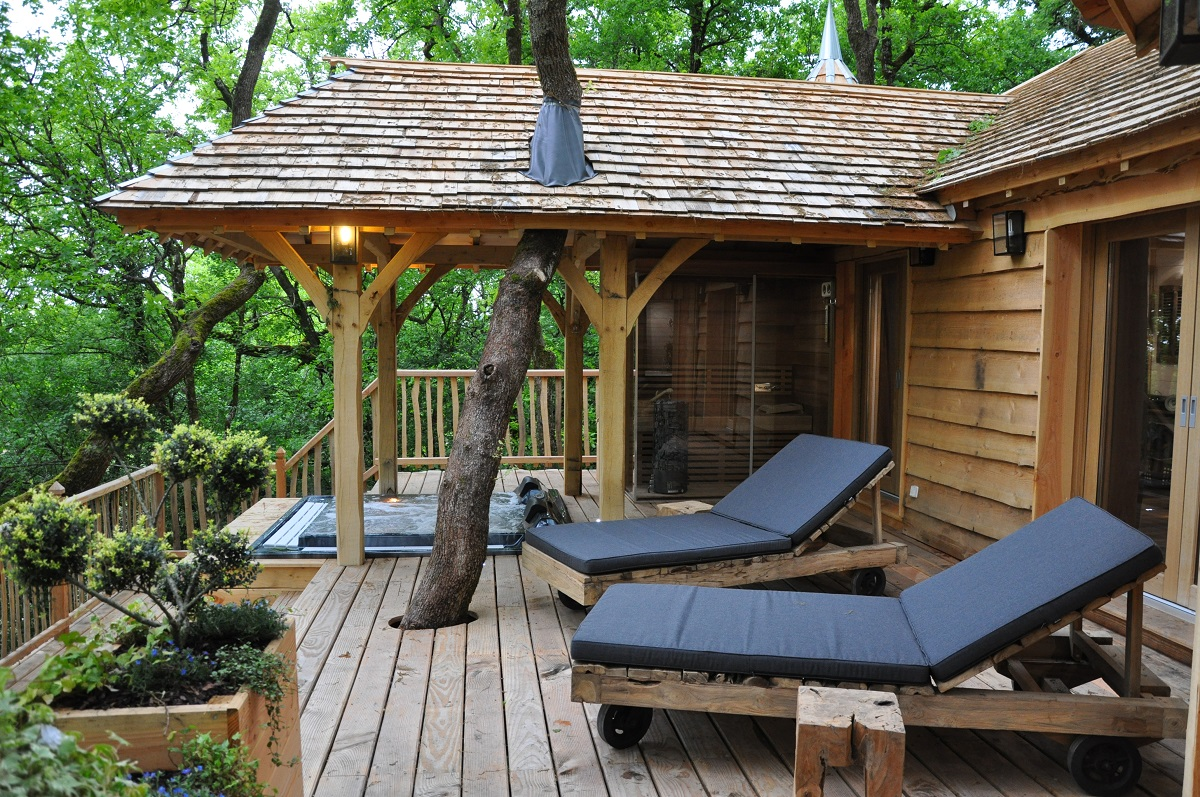 10 Most Amazing Treehouse Hotels From Which You Would