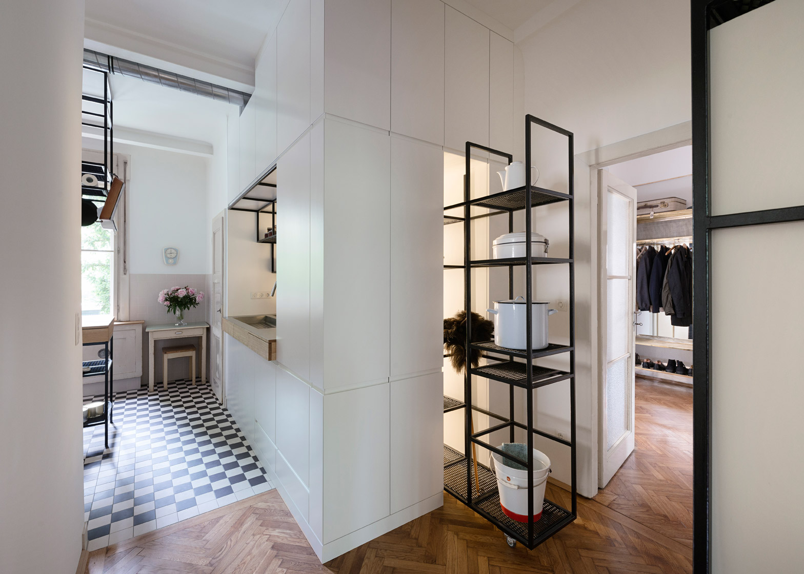 1930s Renovated Apartment In Vienna