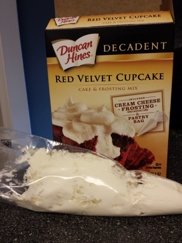 Duncan Hines, cupcakes, red velvet cupcakes, Super Bowl food, The SITS Girls