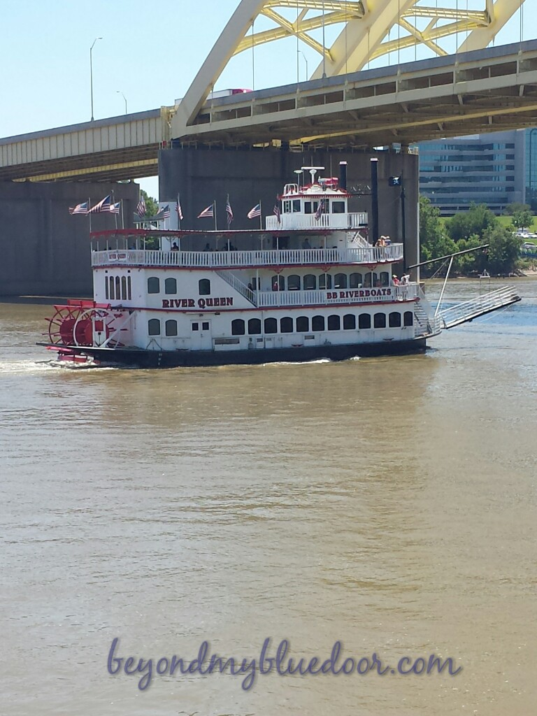 travel, travel blogger, things to do in Cincinnati, BB Riverboat, river cruises in Cincinnati