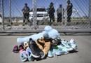 Las familias migrantes separadas en la frontera podrían reunirse en EE.UU., señala secretario Mayorkas