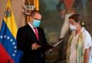 Embajadora de la Unión Europea sale de Venezuela tras ser expulsada por el Gobierno de Maduro