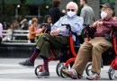 Los CDC publican una nueva guía de uso mascarillas para exteriores para personas completamente vacunadas