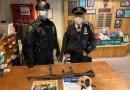 Joven de 18 años fue arrestado portando un rifle AK-47 en la estación del metro de Times Square, informó la policía