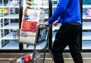 Los estadounidenses están comprando menos papel higiénico y toallitas húmedas que en 2020