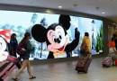 'Ahora estamos en modo de crisis': el alcalde del condado de Florida donde está Disney World hace sonar la alarma por el covid-19