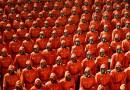 Corea del Norte realiza un desfile militar a mitad de la noche