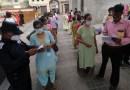 Bloquean el uso del internet para millones de personas en la India en un intento de impedir que se haga trampa en los exámenes