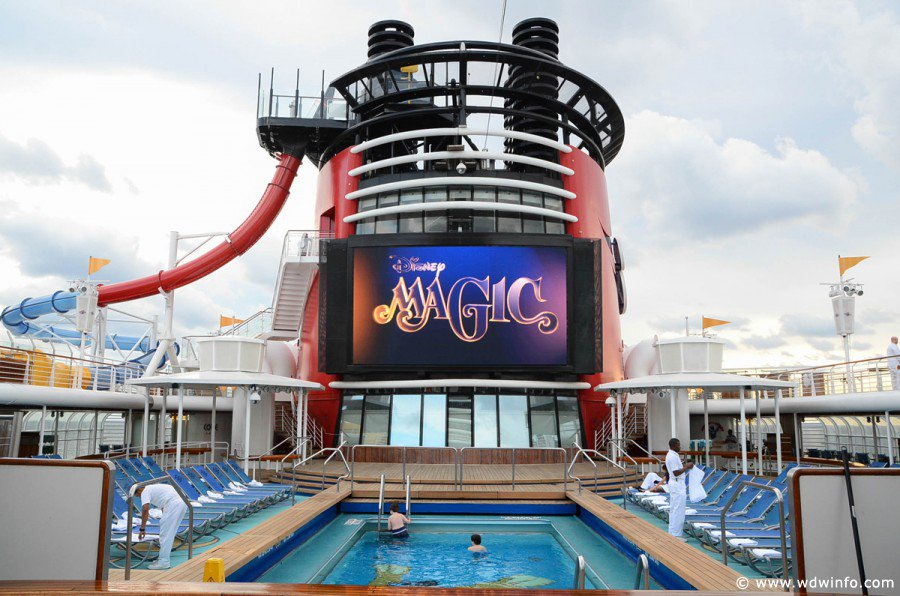 Two Moms Ditch the Fam and take a Disney Cruise | Day 1