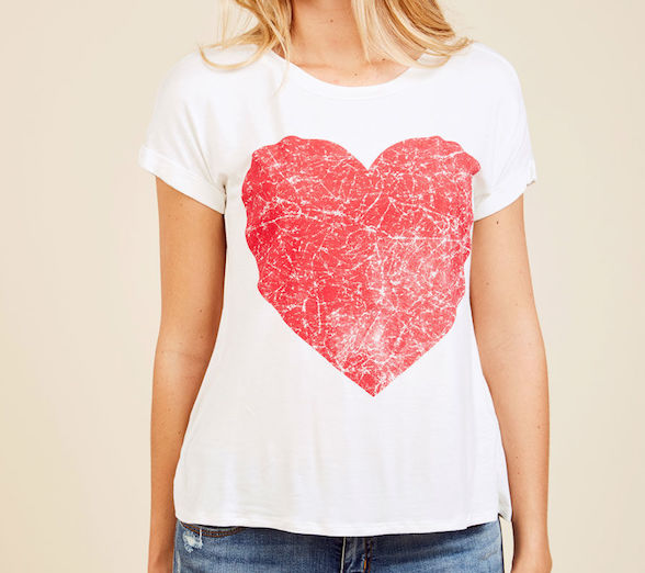 graphic heart tee