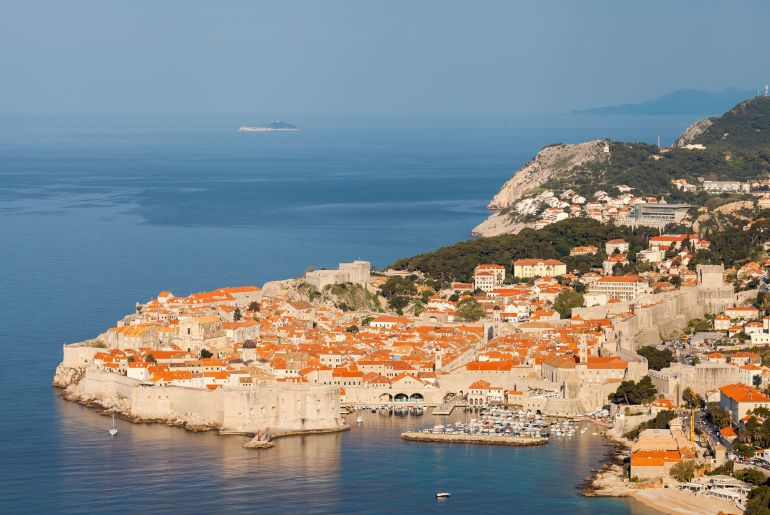 Vista panorámica del casco viejo de Dubrovnik
