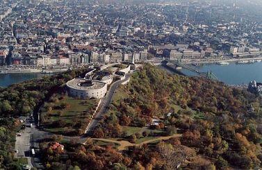 foto aérea de la ciudadela de Buda, Budapest