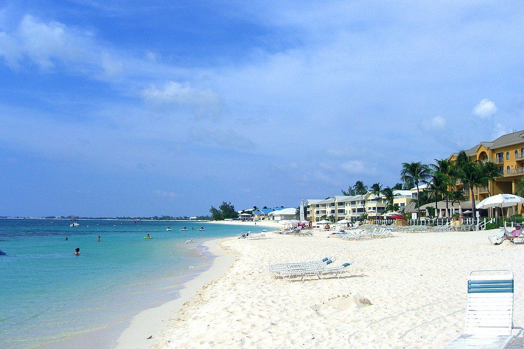 Viajar a las mejores playas Seven Mile Beach