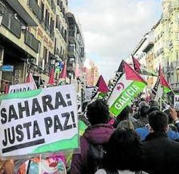 Multitudinaria marcha por la libertad del Sahara . Noticias de Navarra