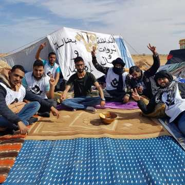 Equipe media: * las autoridades de ocupación tienen la intención de atacar un campamento de jaimas saharauis en Dajla en las ZZOO *