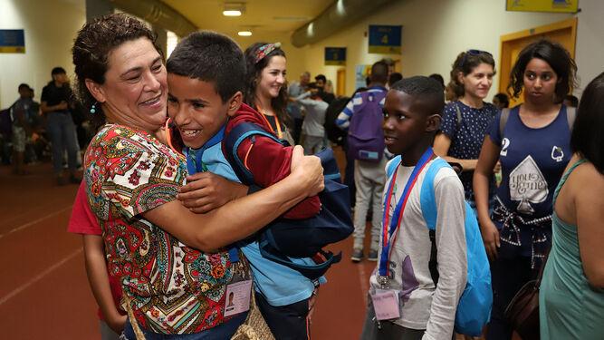 Llegan los 150 niños saharauis del programa 'Vacaciones en Paz' para pasar el verano en la provincia