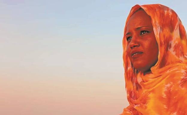 Aziza Brahim y Oreka TX actuarán el sábado en el frontón de Pasai Donibane | El Diario Vasco