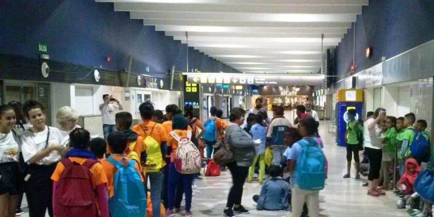 """Viernes, 28 de junio: Llegada a Extremadura de las niñas/os refugiadas saharauis participantes en """"Vacaciones en Paz"""" #MuchoMásQueVacaciones – FEDESAEX"""