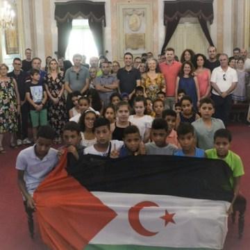 Alcalde de Alcalá de Henares da la bienvenida a los niños saharauis   Sahara Press Service