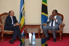 El diplomático Mahayub Sidina presenta sus cartas credenciales como Embajador Extraordinario y Plenipotenciario ante la República Unida de Tanzania   Sahara Press Service