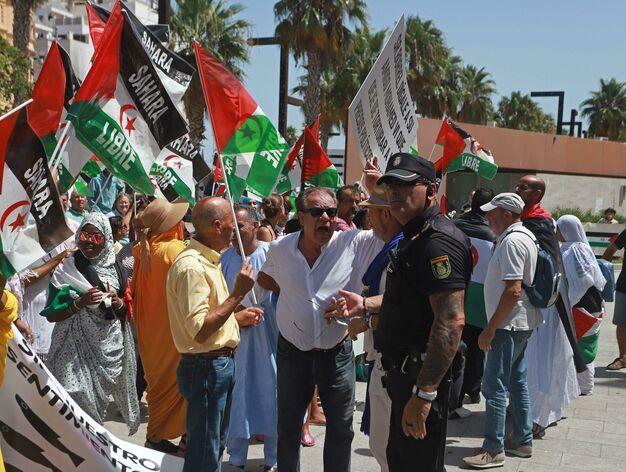 ALGECIRAS: Contramanifestantes marroquís intentan boicotear la concentración a favor del pueblo saharaui