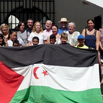 El Ayuntamiento recibe a los menores saharauis que pasan el verano en Altea con familias de acogida