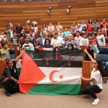 40 niños saharauis visitan las Cortes para recordar más de 40 años de olvido – últimoCero | Noticias de Valladolid