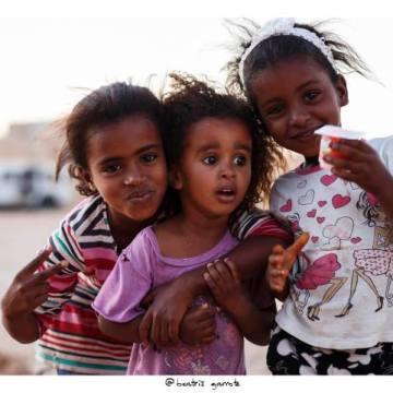 1niñosaharaui «vuelve al cole»: El tiempo, vuela (Gracias, Benda)